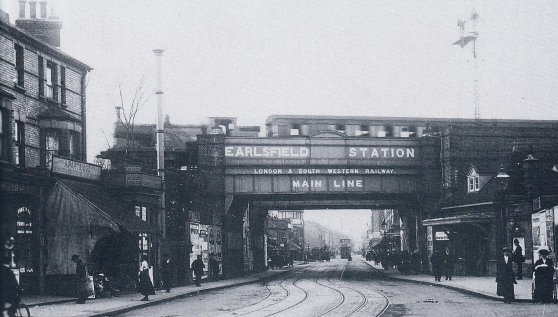 Earlsfield Station