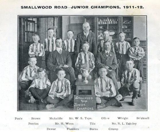 smallwood-road-football-1911-12