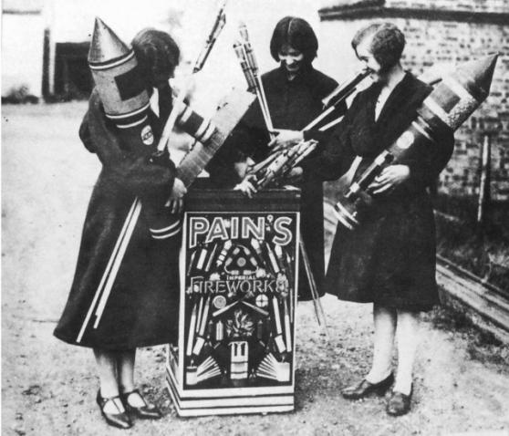 FireworkGirls1926