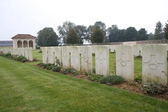 flesquieres-hill-british-cemetery-10409_2-1