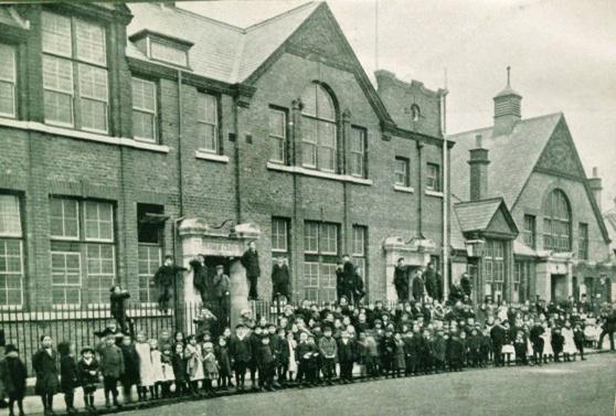 fairlighthall1914
