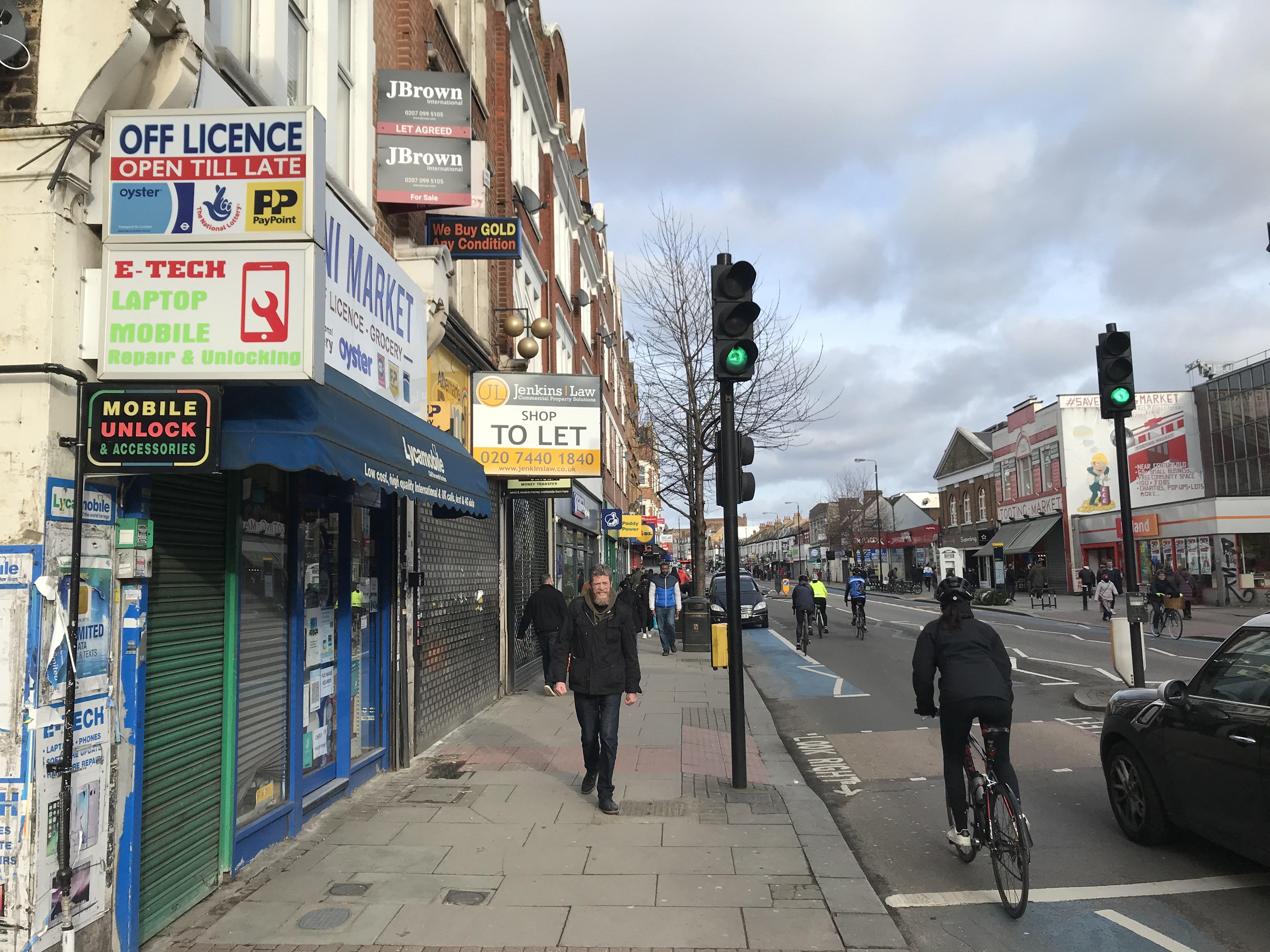 TootingHighStreet(towards Edgars)